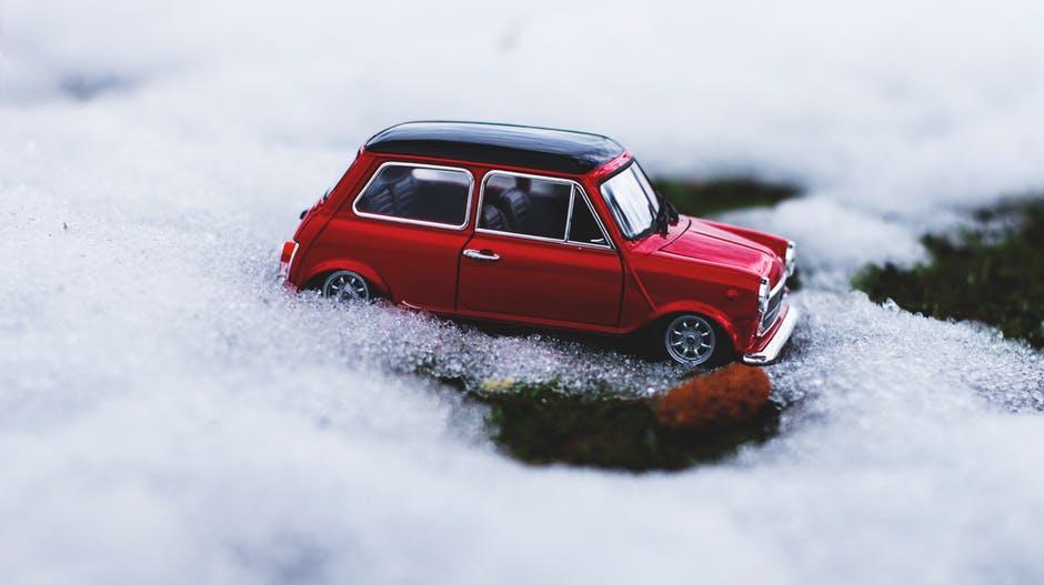 Jak przygotować samochód na zimę - pomoc drogowa katowice