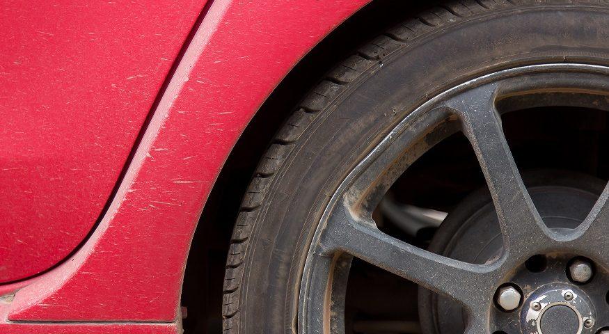 jak wymienić koło w samochodzie krok po kroku