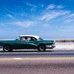 Jakie jest obowiązkowe wyposażenie samochodu osobowego w 2018 roku?